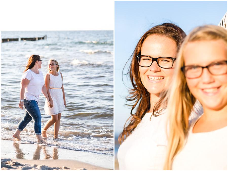 2 Frauen, Tante und Nichte stehen am Strand von Nienhagen, Portraitfotografie, Fotograf Rostock, Mecklenburg Vorpommern