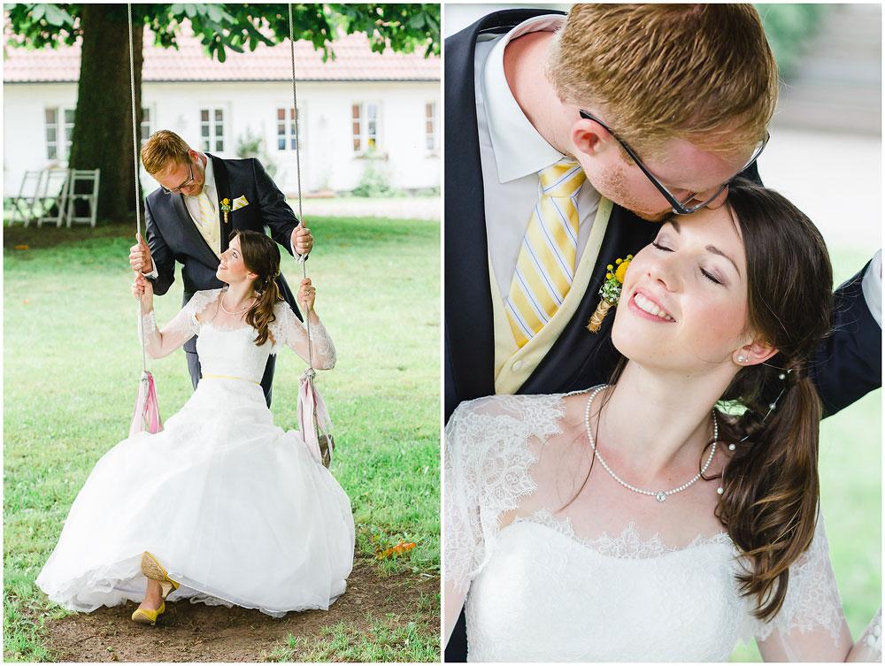 freie Trauung Braut_schaukelt_Hochzeitsfotograf_Ruegen_Rostock_Richterfotografie_Hochzeitsfotografie auf Rügen