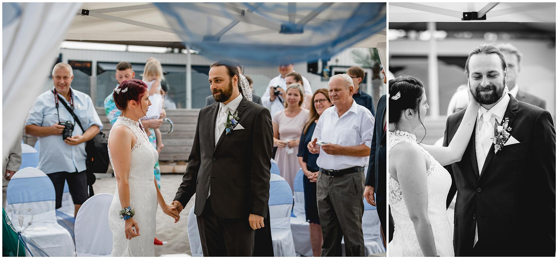 Foto-1_Hochzeitspaar-steht-sich-gegenueber-und-schaut-sich-an_Foto-2_Braut-streichelt-zaertlich-das-Gesicht-des-Braeutigams-Hochzeit-am-Strand-Hochzeitsfotograf-Warnemuende-Hochzeitsfotograf-Rostock-Hochzeitsfotograf-Ostseebad-Warnemuende