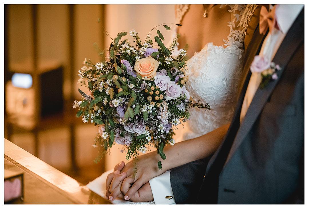 Hochzeitsfotograf Rostock - Nahaufnahme - Hände Brautpaar - Fotograf Rostock - Hochzeitsfotograf Villa Papendorf