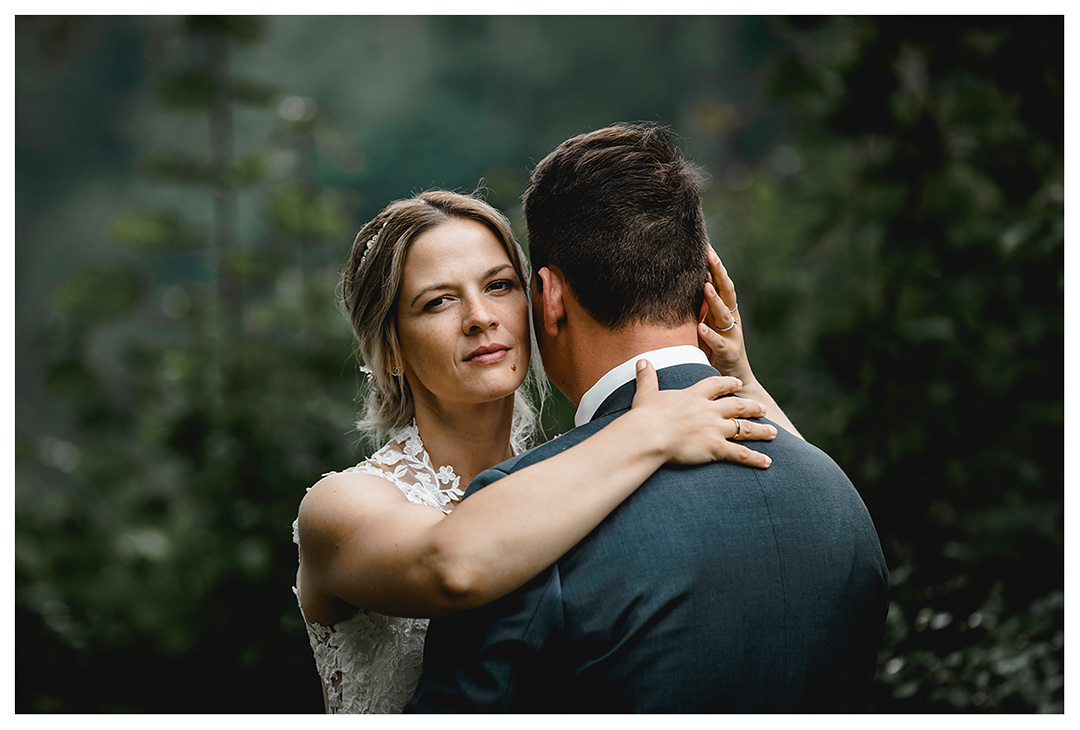 Hochzeitsfotograf Rostock - Brautpaarshooting - Nahaufnahme Gesicht der Braut - Fotograf Rostock - Hochzeitsfotograf Villa Papendorf