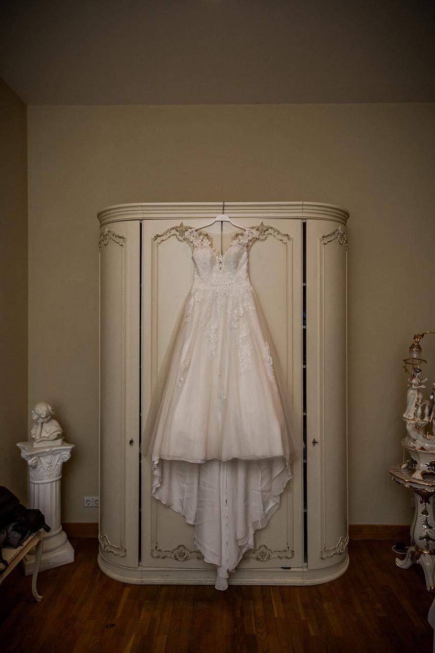 Hochzeitskleid der Braut - Hochzeitsfotos Schloss Bredenfelde - Hochzeitsfotograf