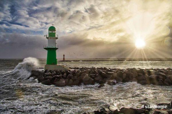 Produktbild - #stayhome - Sturm - Mole Warnemünde - Fotograf Rostock - Landschaftsfotos zum Download