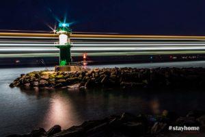 #stayhome - Warnemünde - Leuchtturm bei Nacht - Fotograf Rostock - Landschaftsfotos zum Download